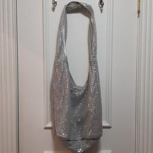 🛍️ Le Chateau crossbody purse
